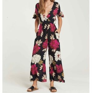 Billabong Night Floral Jumper NWT